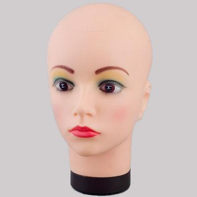 Голова женская с макияжем